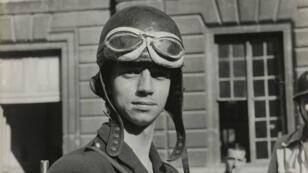 Portrait du F.F.I. Michel Aubry dans la Préfecture de Police, le 19 août 1944.