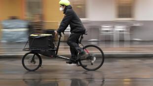 Austrian authorities hope bikes will prove handier for getting vitial coronavirus tests to Vienna residents