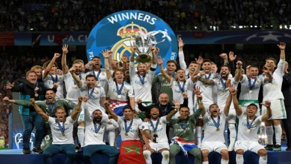 لاعبو ريال مدريد الإسباني يحتفلون بفوزهم بلقب دوري أبطال أوروبا لكرة القدم في 26 أيار/مايو 2018