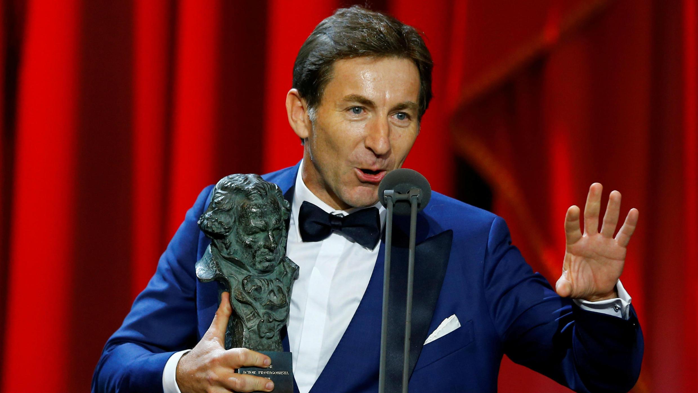 """Antonio de la Torre pronuncia un discurso después de recibir el premio a Mejor Actor por """"El Reino"""", durante la ceremonia de entrega de los Premios Goya en Sevilla, España, el 2 de febrero de 2019."""