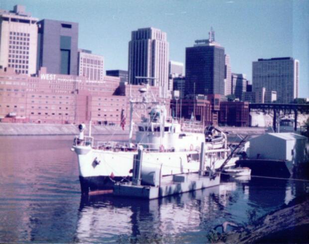La Calypso dans le port de St. Paul, dans le Mississipi, en 1980.