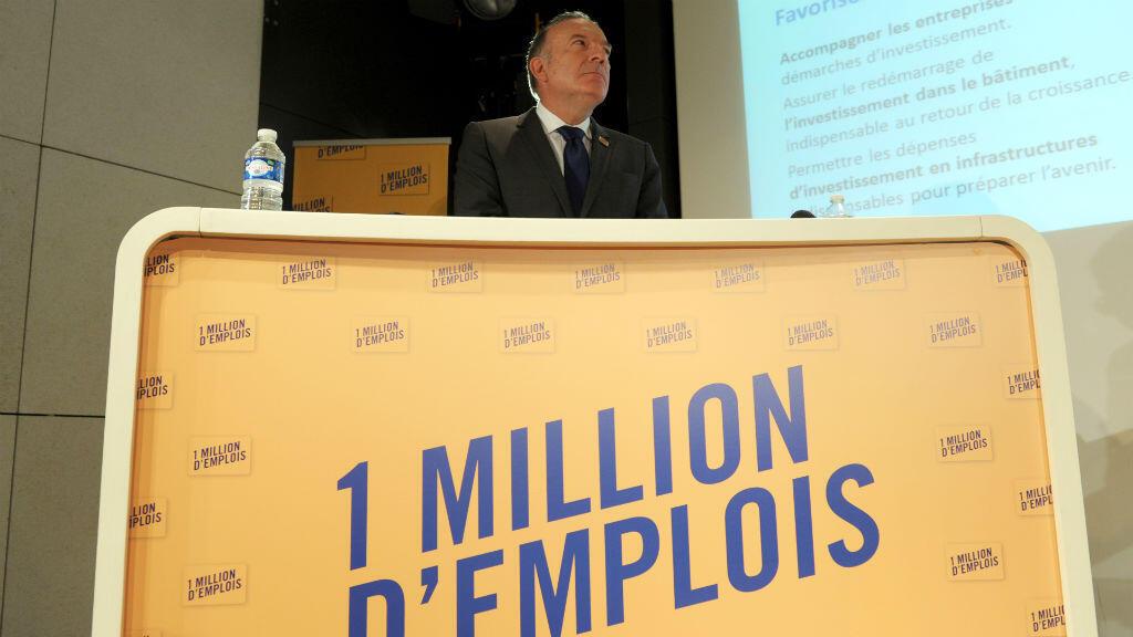 Pierre Gattaz, patron du Medef, a affirmé que ses propositions n'étaient pas une remise en cause des 35 heures ou du Smic.