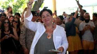 Beatriz Sánchez stá a favor del derecho a un aborto libre y seguro para todas las mujeres, del matrimonio igualitario, de un mayor papel del Estado en la educación y la salud.