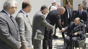 L'une des rares apparitions du président algérien, Abdelaziz Bouteflika, lors de l'inauguration d'une mosquée et l'extension du métro d'Alger, le 9 avril 2018.