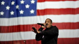 Jay Z sur scène lors d'un meeting de Barack Obama pendant la campagne présidentielle de 2012.