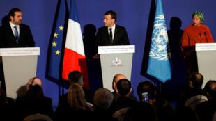 El presidente francés Emmanuel Macron, la vicepresidenta general de la ONU Amina Mohammed y el primer ministro libanés Saadal- Hariri en la reunión del Grupo de apoyo nternacional a El Líbano en París el 8 de diciembre de 2017.