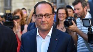 François Hollande, le 21 juillet, à Arles.