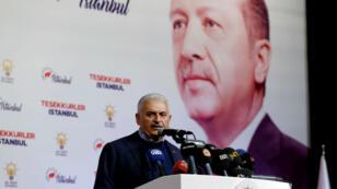 Le candidat de l'AKP à la mairie d'Istanbul, Binali Yildirim, au siège de son parti dans la même ville, le 31 mars 2019.