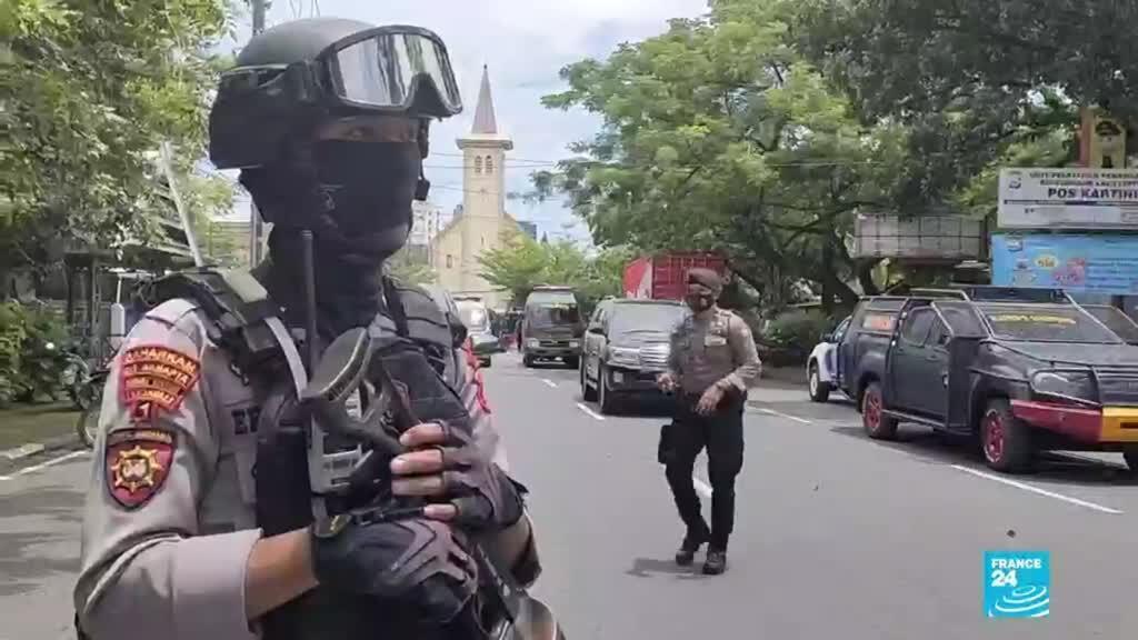 2021-03-28 14:31 Indonesia: atentado suicida en una iglesia dejó al menos 14 heridos