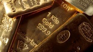 L'ampleur de la pandémie de coronavirus et ses effets dévastateurs sur l'économie sont telles que les enseignes spécialisées dans la vente physique d'or croulent sous les commandes
