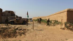Les forces armées afghanes patrouillent, le 27 septembre 2016, dans les environs de Kunduz.