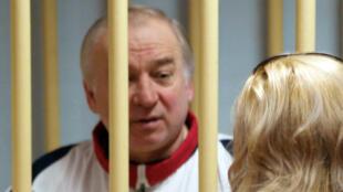 Foto de archivo del exespía ruso Sergei Skripal, en una audiencia en el Tribunal Militar del Distrito de Moscú el 9 de agosto de 2006.