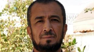 الإمام المعزول رضا الجوادي في منزله في صفاقس في 30 تشرين الأول/أكتوبر 2015