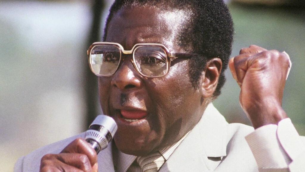 Foto de archivo de Robert Mugabe que falleció a los 95 años.