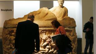 Des visiteurs lors de la réouverture partielle du Musée national de Damas, le 28 octobre 2018.