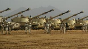دبابات سعودية في محافظة جيزان في يوليو 2010