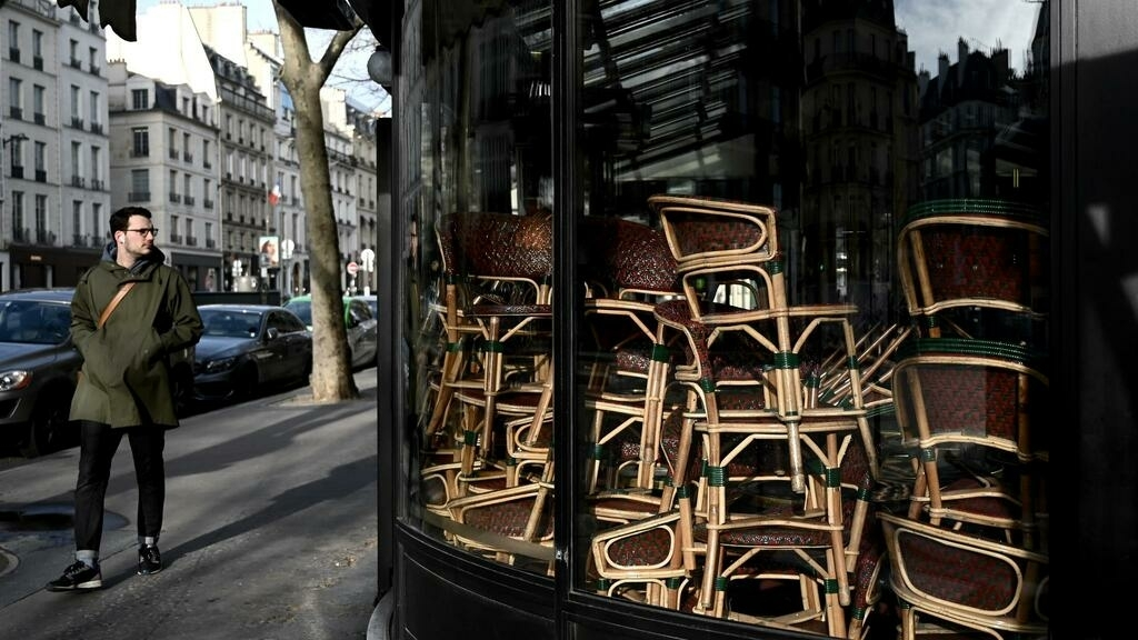 French economy to shrink by 20% in second quarter as recession deepens
