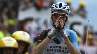 Le Français Romain Bardet lors de son arrivée, durant la 19e étape du Tour de France, vendredi 22 juillet 2016.