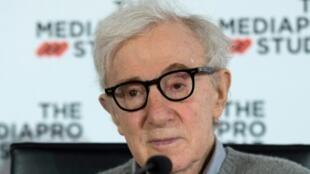 Le réalisateur Woody Allen lors d'une conférence de presse à San Sebastian le 9 juillet 2019