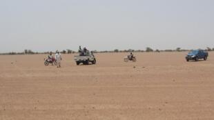 Des combattants d'Ansar Dine dans le nord du Mali, près de Kidal, en août 2012.