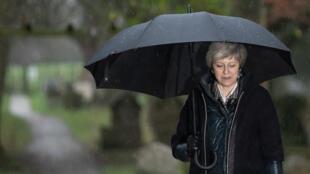 Imagen de archivo. La primera ministra británica, Theresa May, habla durante un evento intergubernamental entre Reino Unido y Polonia en Londres, el 20 de diciembre de 2018.