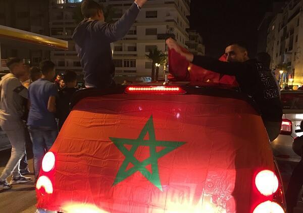 الاحتفالات شلت حركة المرور في شوارع طنجة