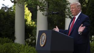 الرئيس الأميركي دونالد ترامب متحدثاً في البيت الأبيض في 14 تموز/يوليو 2020