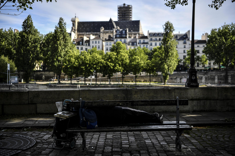 France covid 19 precaire