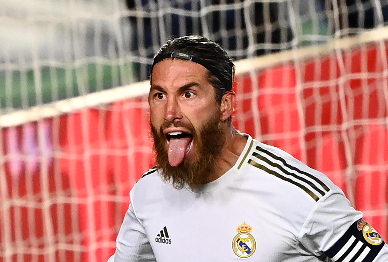 سيرخيو راموس بعد تسجيله هدف فوز ريال مدريد على ضيفه خيتافي بالمرحلة 33 من الدوري الإسباني لكرة القدم، في 2 يوليو/تموز 2020.