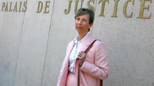 Élisabeth Borrel, la veuve du magistrat, le 2 mai 2007 au palais de justice de Lille.