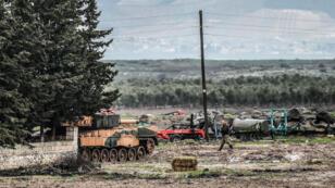 Des troupes turques postées à Reyhanli, près d'Afrin, le 26 janvier 2018.