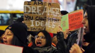 Por varias semanas varios jóvenes beneficiarios del DACA protestaron contra la posible cancelación del programa por parte de la administración Trump