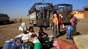 Ethiopian refugees on Sudan border
