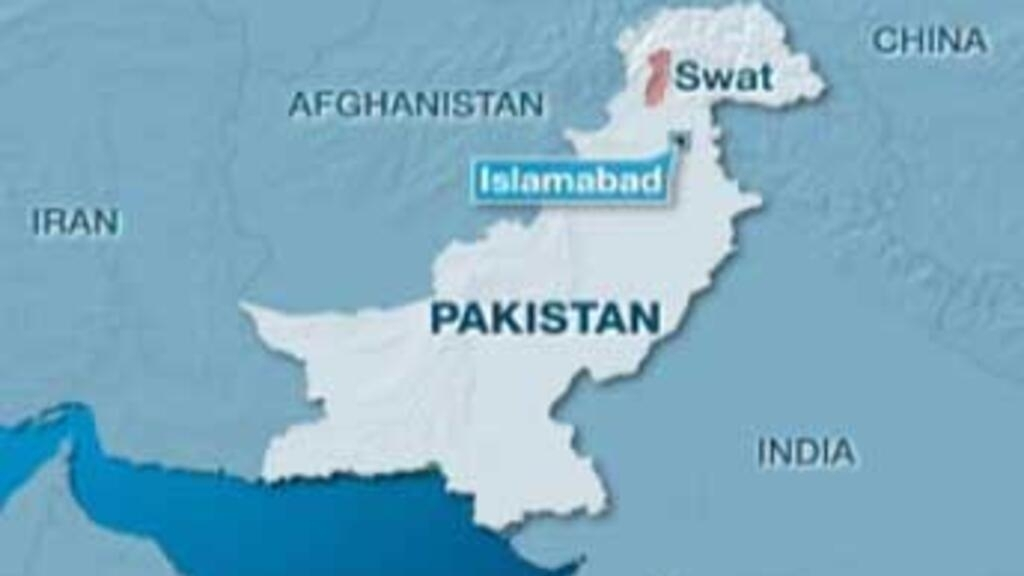 Policemen killed by roadside bomb in Pakistan