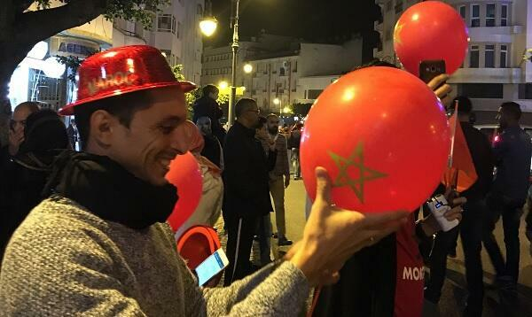 اللون الأحمر طغى على الاحتفالات بتأهل المغرب لروسيا 2018