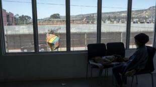 Un niño de Centroamérica que intenta viajar a Estados Unidos en Tijuana, México, el 27 de abril de 2018.