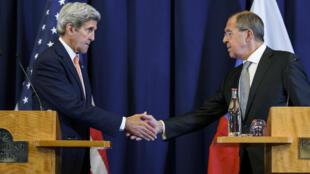 Le Secrétaire d'État américain, John Kerry, et le ministre russe des Affaires étrangères, Sergueï Lavrov, le 9 septembre 2016.