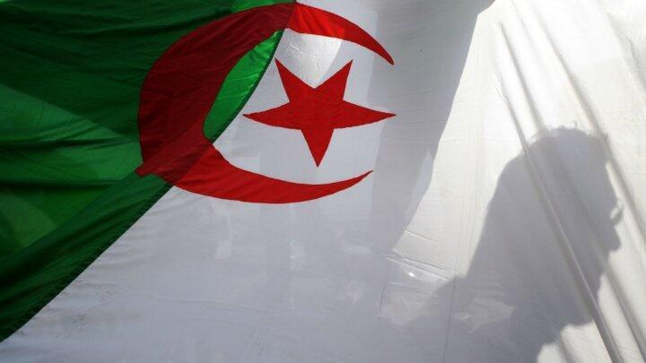 مقر قناة النهار في الجزائر 8 أيار / مايو 2012