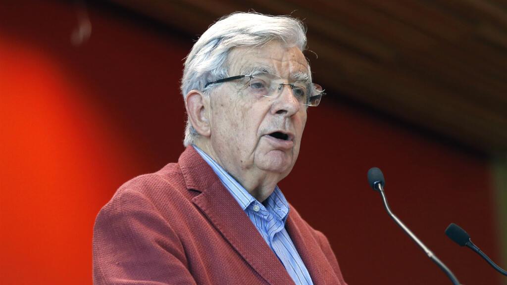 L'ancien ministre Jean-Pierre Chevènement est pressenti pour diriger la Fondation de l'islam de France.