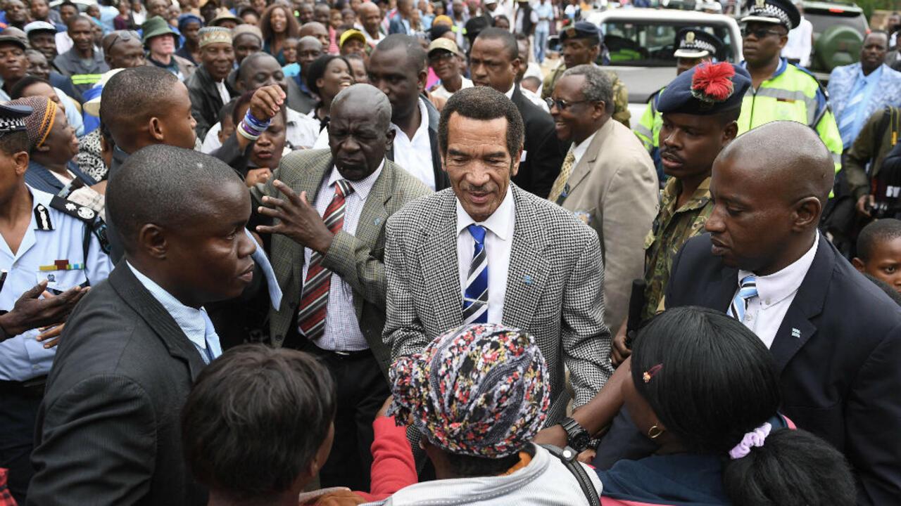 """Le Botswana, """"miracle africain"""", change de président"""