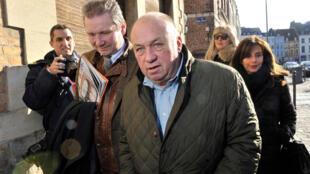 """Dominique Alderweireld, alias """"Dodo la Saumure"""", à son arrivée au tribunal de Lille, lundi 2 février."""