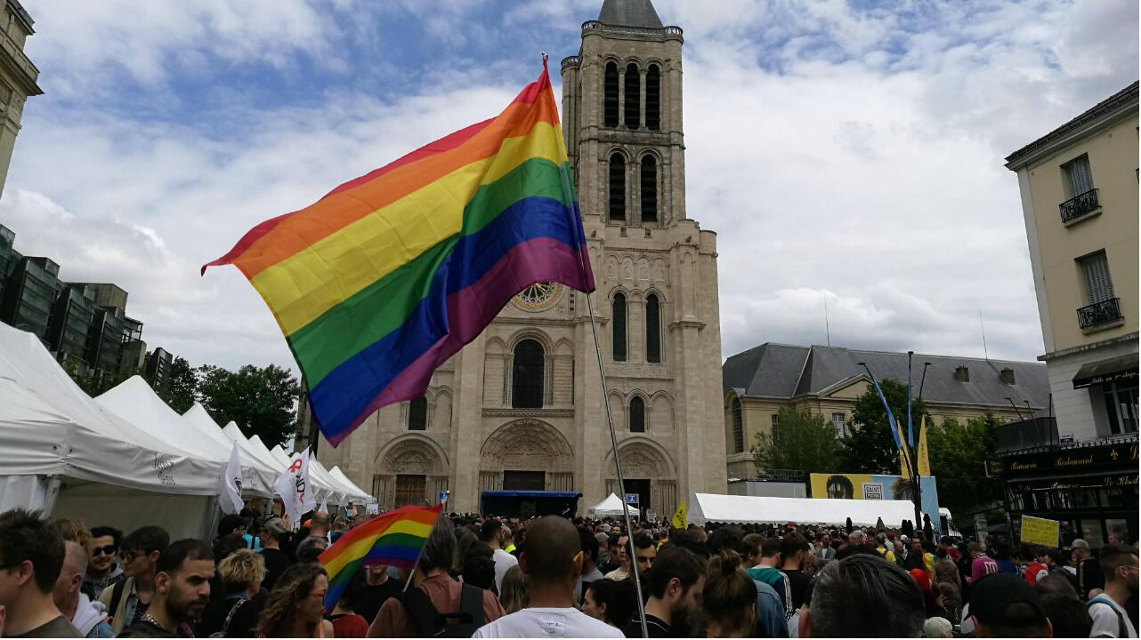 """Un millier de personnes se sont rassemblées pour la """"Gay Pride des banlieues"""", à Saint-Denis, le 9 juin 2019."""