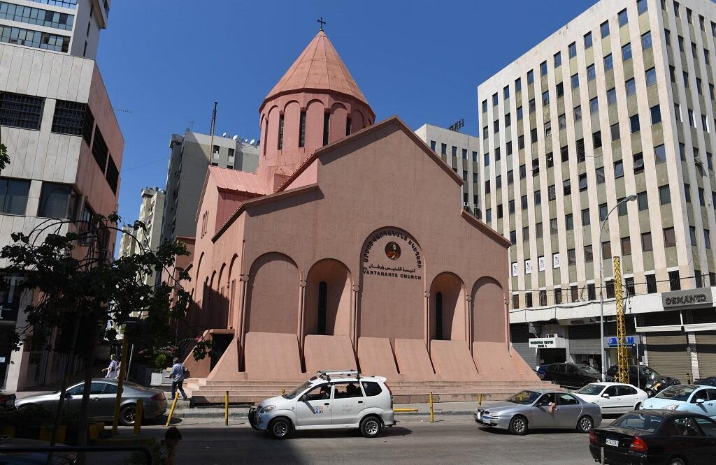 كنيسة القديس وارطان في قلب برج حمود. وهي كنيسة يقصدها الأرمن من كل مكان