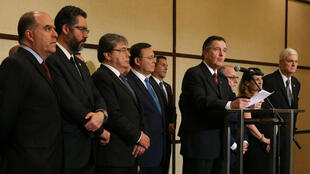 Los líderes de los países miembros del Grupo de Lima durante la rueda de prensa ofrecida tras su XII reunión, que fue celebrada en Santiago, Chile, el 15 de abril de 2019.