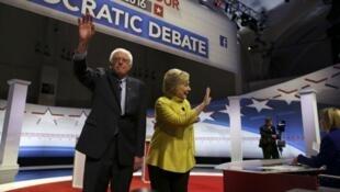 Les candidats à l'investiture démocrate à la présidentielle américaine de 2016, Bernie Sanders et Hillary Clinton.