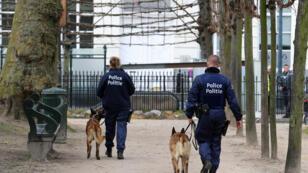 La police belge patrouille à Bruxelles, en mars 2016.