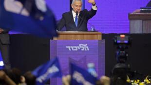 صورة التقطت في 18 أيلول/سبتمبر لرئيس الوزراء الإسرائيلي بنيامين نتانياهو أمام أنصاره في تل أبيب