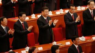 El presidente chino, Xi Jinping, junto a los diputados durante la celebración de la sesión plenaria de la ANP, 20 d marzo de 2018.