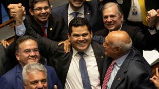 Davi Alcolumbre celebra su victoria como presidente de la Cámara Alta de Brasil el día sábado 2 de febrero de 2019. Brasilia, Brasil.