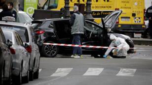 Une Renault Clio noire suspecte a été retrouvée, mardi 17 novembre, dans le 18e arrondissement de Paris.